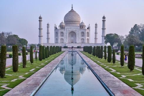 Taj Mahal_julian-yu-_WuPjE-MPHo-unsplash